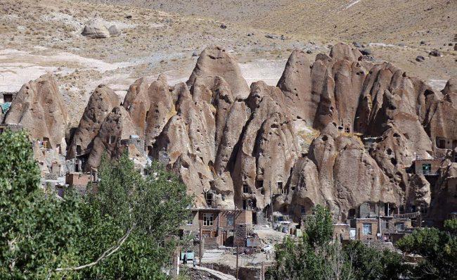 روستای تاریخی و عجیب کندوان
