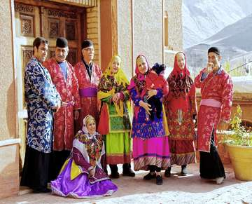 traditional-clothes-abyaneh